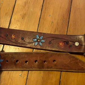 Leather flower belt